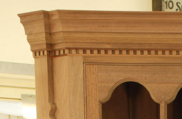 lonnie-bird-cabinet-dentil-molding-closeup